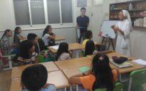 Hausaufgaben mit Schülern